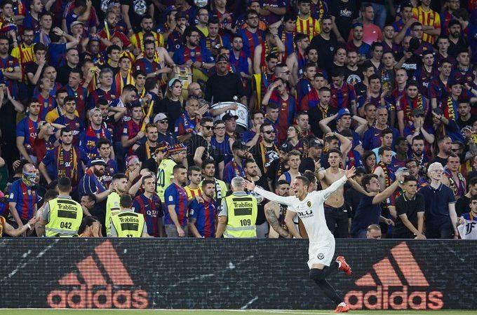 Valencia hace ver su suerte al Barcelona y le quita la Copa del Rey