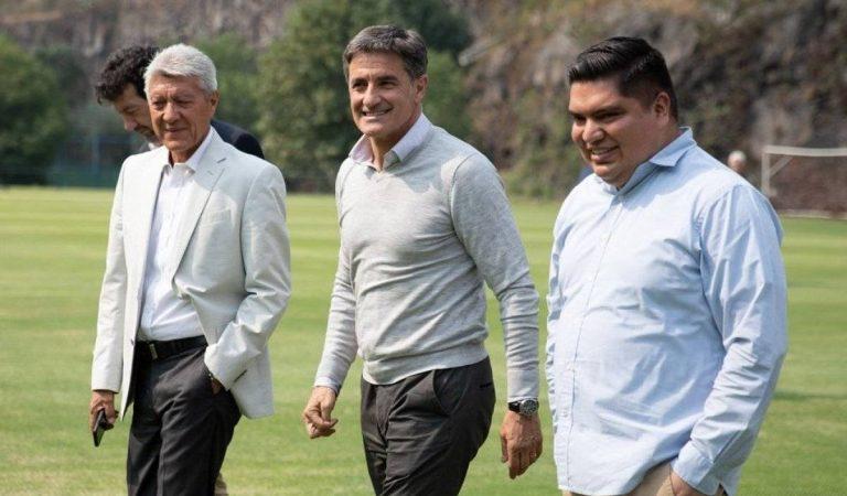 """""""Con menos presupuesto seguimos en la pelea por liguilla"""": Míchel González"""