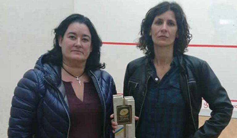 Equipo femenino recibe vibradores y depiladores como premio