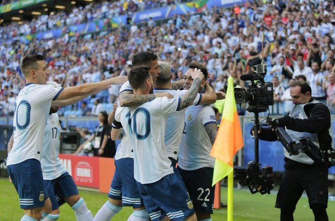 Argentina y Colombia siguen con vida en la Copa América