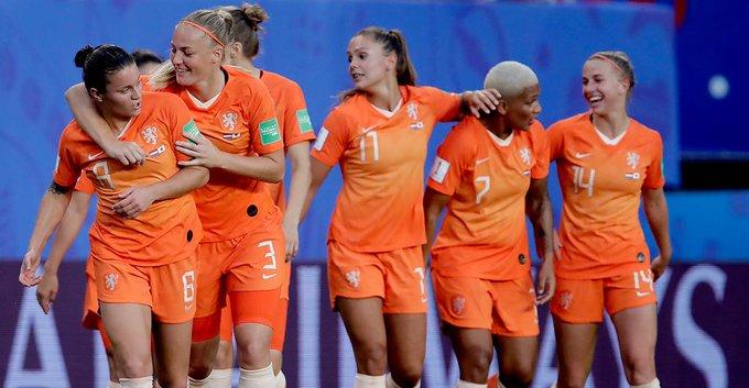 Italia avanza con solvencia y Holanda da la sorpresa en el Mundial Femenil