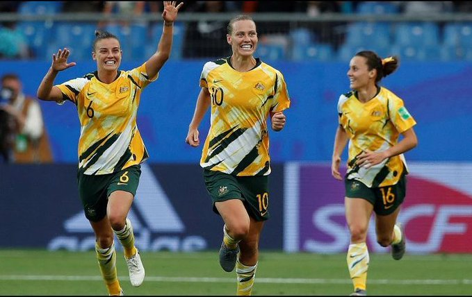 Australia y China sorprenden en el Mundial Femenil
