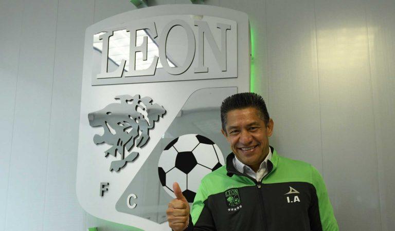 León renueva a Ignacio Ambriz como director técnico