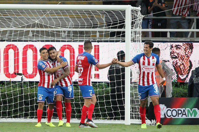 Alexis Vega le da el triunfo a Chivas sobre Santos en Copa MX