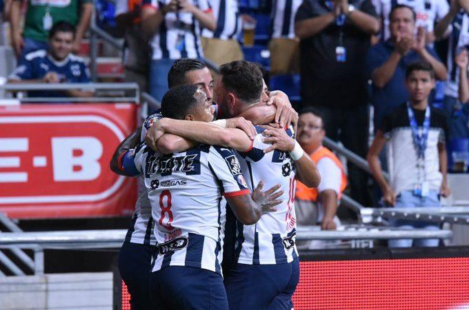 Reynoso gana en su debut con Puebla; Pumas sigue sin ganar fuera de casa