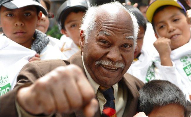 """El boxeo mundial está de luto con la muerte del """"Mantequilla"""" Nápoles"""
