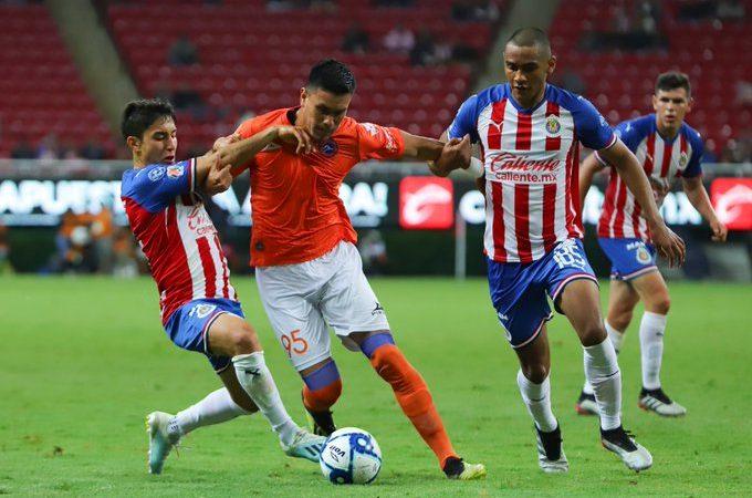 Correcaminos sorprende a Chivas en la Copa MX