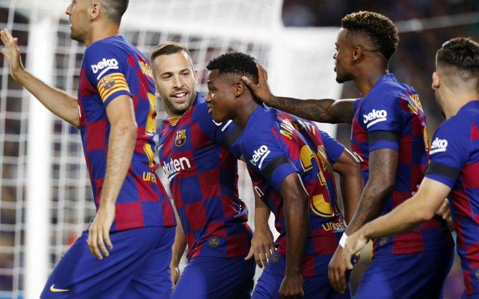 Real Madrid rescató el triunfo y Barcelona goleó en casa