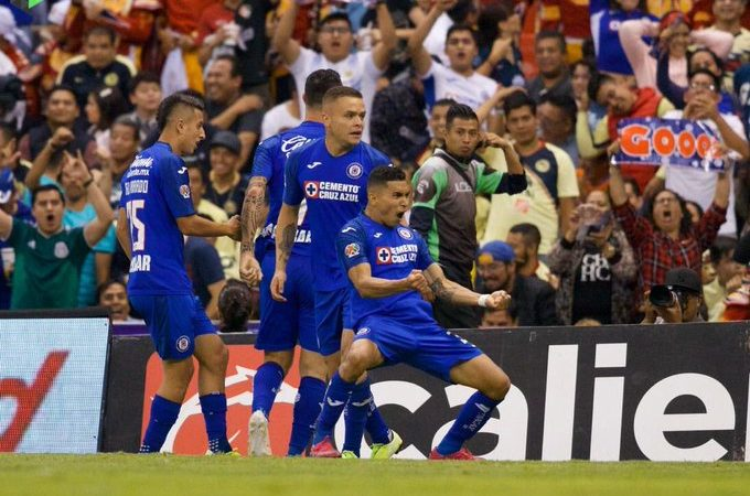 Cruz Azul rompe el maleficio con goleada ante América y se perfila a liguilla