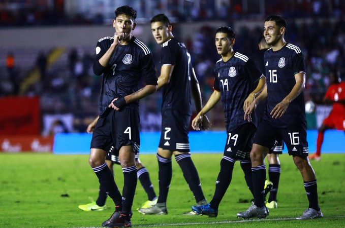 México vence, sin despeinarse, a Panamá como visitante