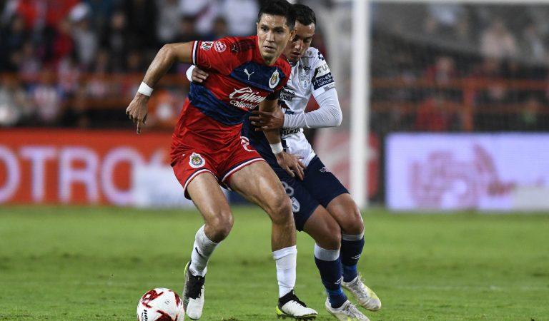 Chivas no pudo ganar en Pachuca y hubo polémica entre Rayados y Monarcas
