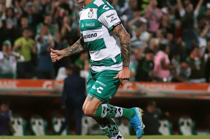 Querétaro goleó en casa a Xolos y Santos Laguna le remontó al León