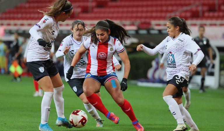 Le llueve a Chivas en casa en la Liga MX Femenil