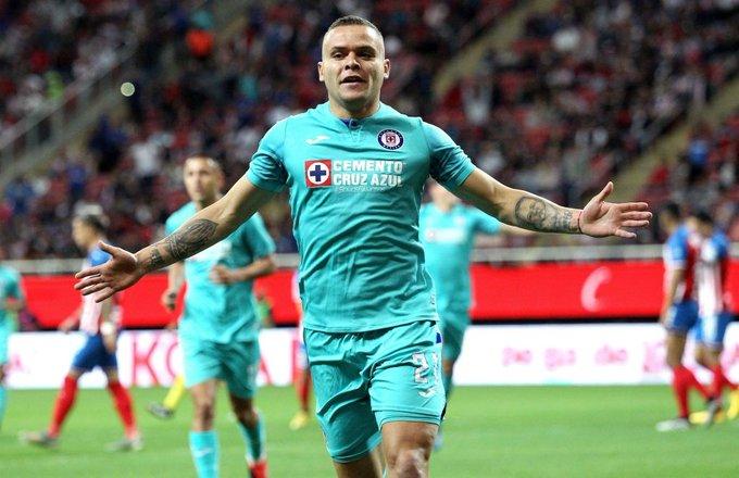 El Cruz Azul se podría quedar sin Jonathan Rodríguez