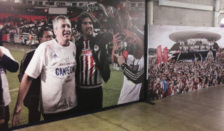 Las Chivas siguen recordando a Jorge Vergara