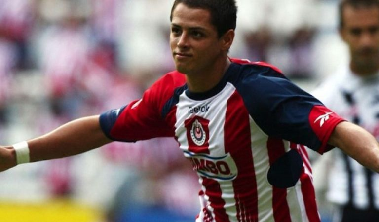 """""""Nunca prometí retirarme en Chivas"""": Javier Hernández"""