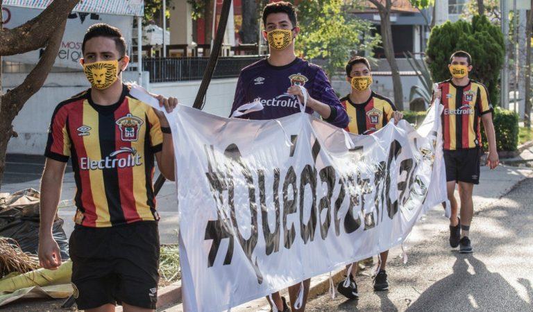 Leones Negros protesta en contra de la erradicación del ascenso