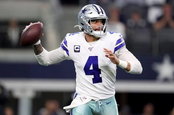 Dak Prescott firmó su etiqueta de jugador franquicia con Cowboys