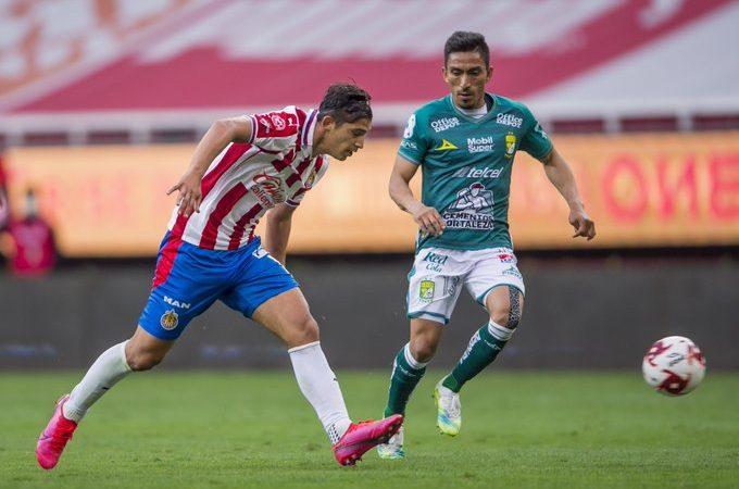 Chivas y León debutan con empate en el Guard1anes 2020