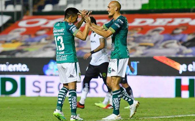 Nicolás Sosa y Ángel Mena causan baja en León por COVID-19