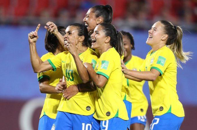 Histórico paso para el futbol femenil con la igualdad salarial para las Selección Brasileñas