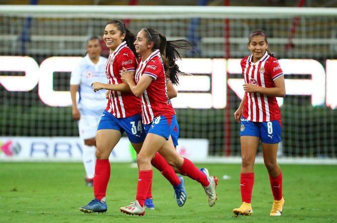 Chivas Femenil vence a Cruz Azul y mantiene su invicto en el torneo