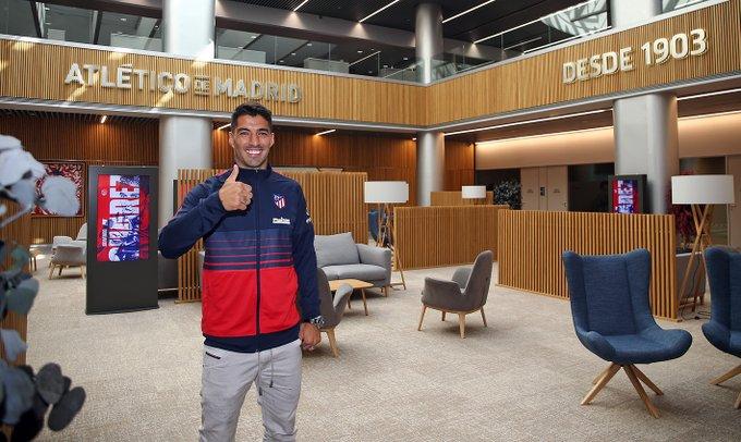 Luis Suárez ya firmó con el Atleti