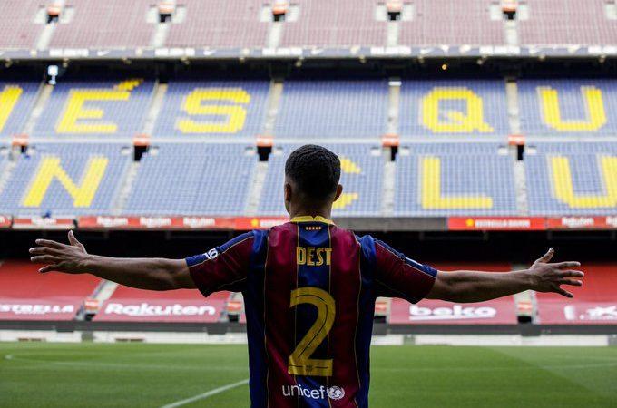 Oficial: Sergiño Dest, nuevo jugador del FC Barcelona