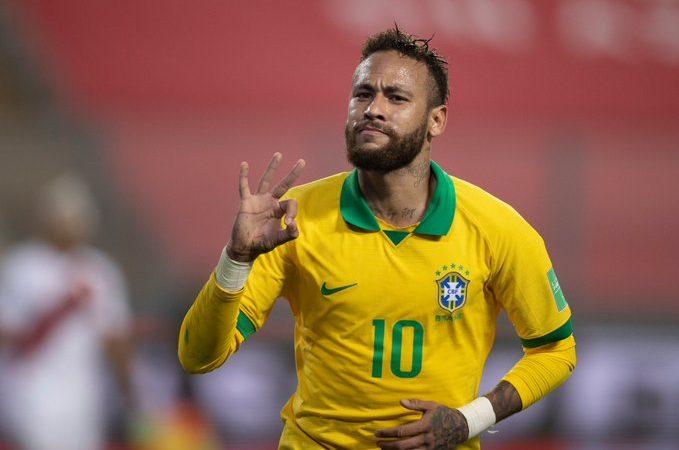 Brasil y un Neymar inspirado sacan la victoria en Perú