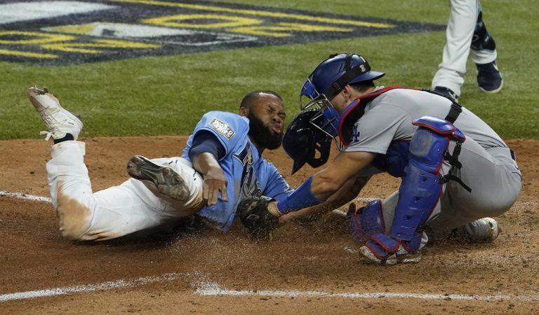 Los Dodgers de Los Ángeles se ponen a un juego de ganar la Serie Mundial