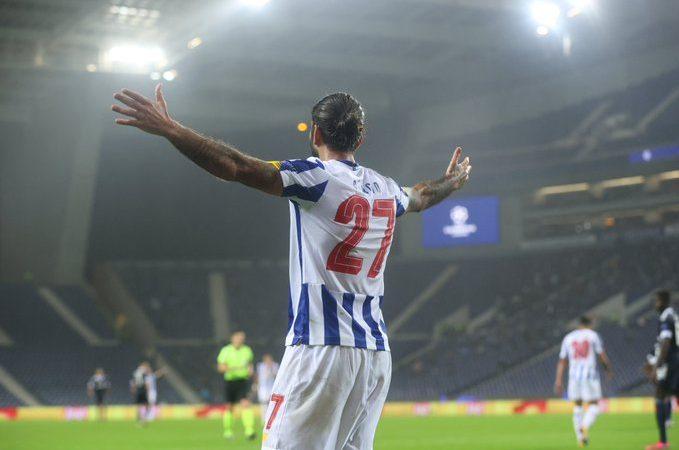 """El Porto del """"Tecatito"""" vence al Olympiacos en la Champions League"""