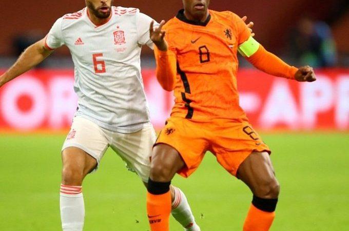 Holanda y España otorgan un entretenido empate en Ámsterdam