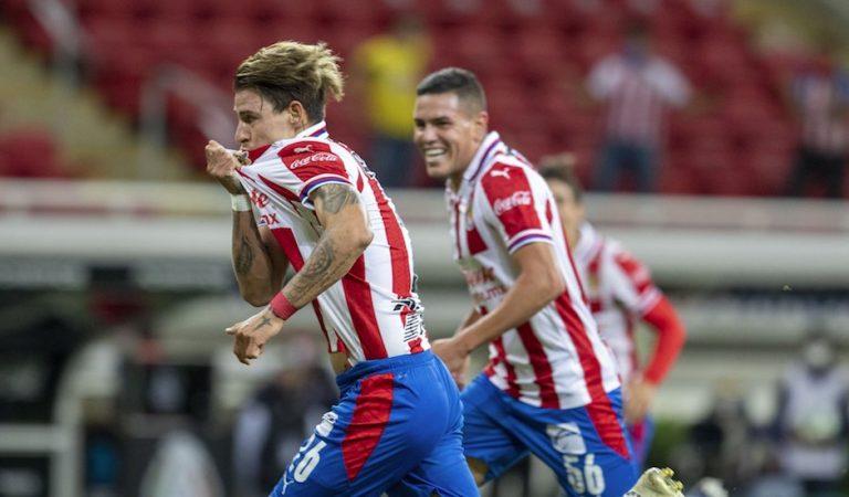 Cristian Calderón le da la victoria a Chivas ante América en el duelo de ida