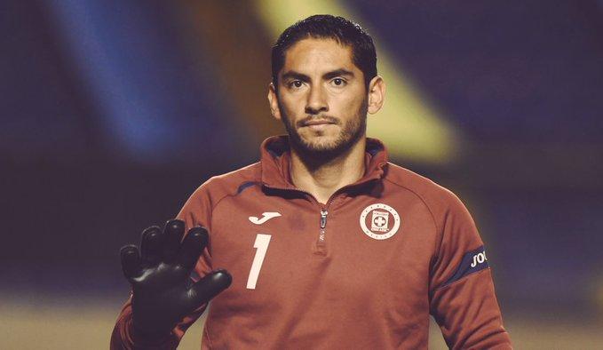 Jesús Corona explicó su ausencia en el partido frente a los Pumas