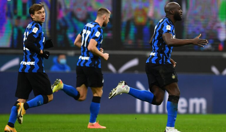 Inter de Milán se lleva el Derbi della Madonnina y avanza a semifinales de la Coppa Italia