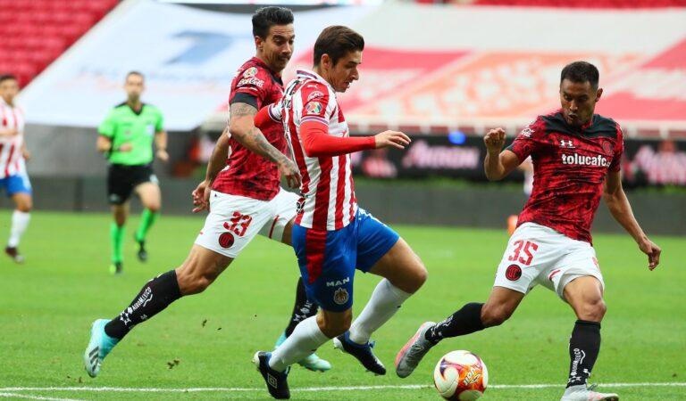 Chivas hila su segundo empate consecutivo ante Toluca