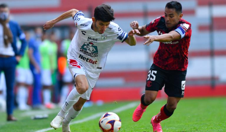 Los Tuzos se llevan los tres puntos ante Toluca y salen del fondo de la tabla