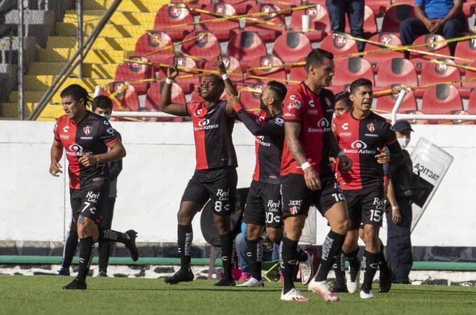 Atlas derrotó a Xolos en el regreso de la afición al Estadio Jalisco