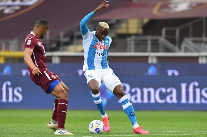 """El Napoli del """"Chucky"""" Lozano venció al Torino y se afianza en puestos de Champions League"""