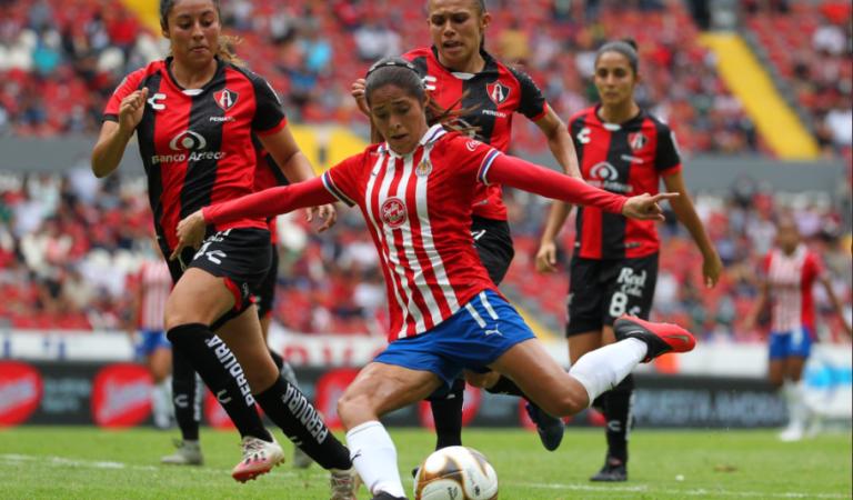 Clásico Tapatío sin goles en la ida de las semifinales de la Liga MX Femenil
