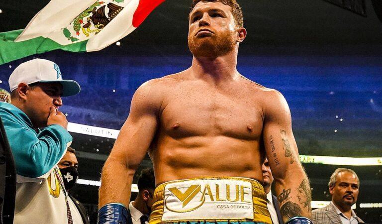 Saúl Álvarez vence a Billy Joe Saunders y retiene el título por el peso Supermediano