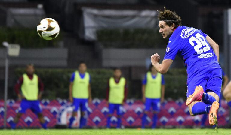 Santiago Giménez lleva a Cruz Azul a la final del Guard1anes 2021