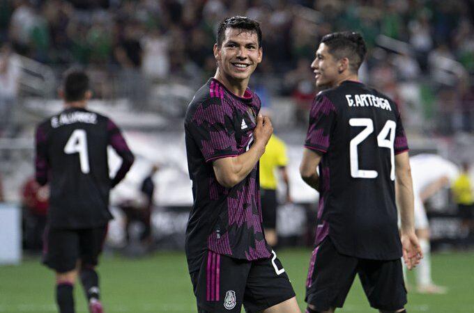 """Con dos goles del """"Chucky"""" Lozano, México le dio la vuelta a Islandia"""