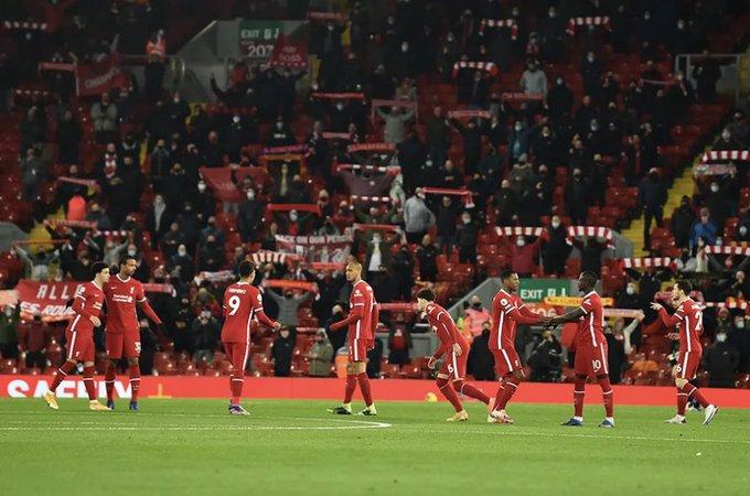 La Premier League volverá a tener aficionados en sus estadios
