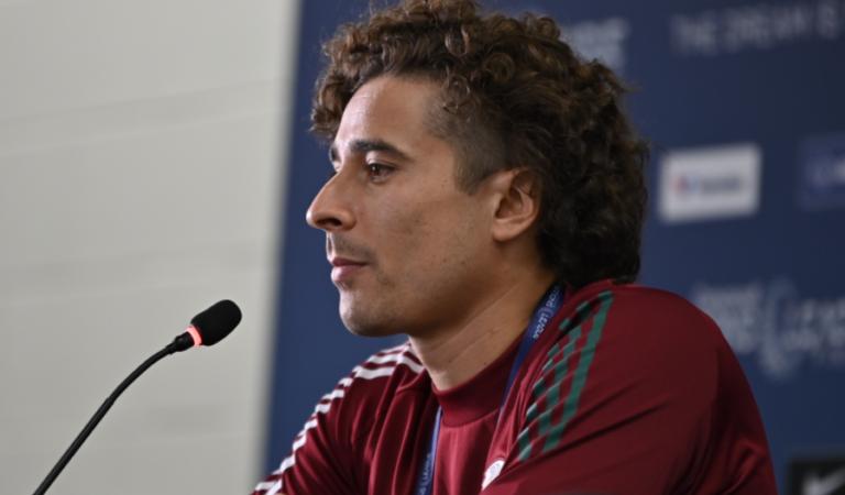 """""""El gusto que nos da estar en la selección, la satisfacción, las ganas, y el deseo de seguir vistiendo esta playera"""". -Guillermo Ochoa"""