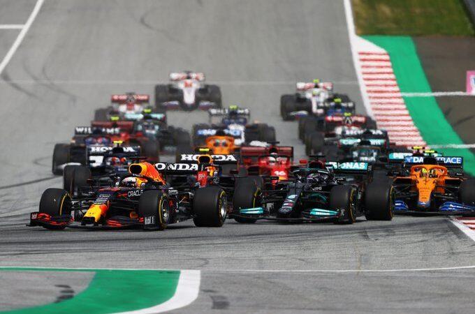 """Max Verstappen gana el GP de Estiria y """"Checo"""" Pérez termina cuarto"""