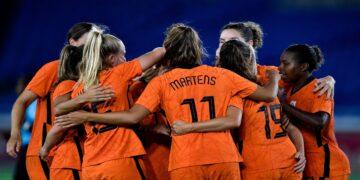 La selección de Países Bajos se afianza el liderato del grupo.