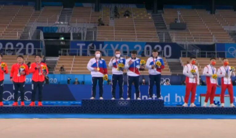 Comité Olímpico de Rusia, medallista de oro de Tokyo 2020 en competencia por equipos de gimnasia artística