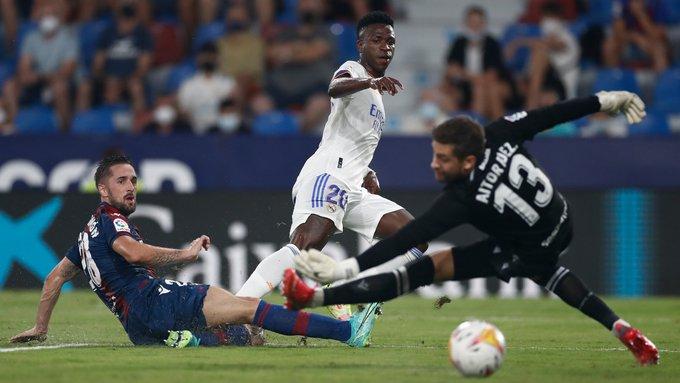 El Real Madrid logró un loco empate contra el Levante