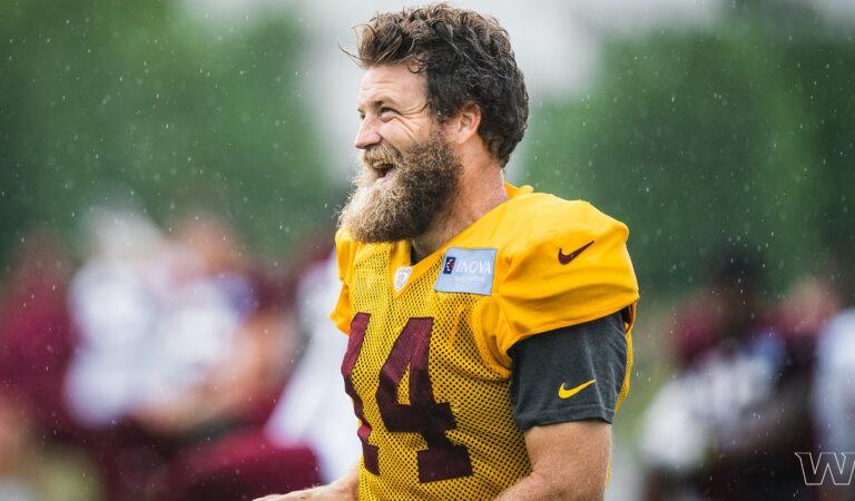 Ryan Fitzpatrick fue puesto oficialmente en la lista de lesionados por Washington